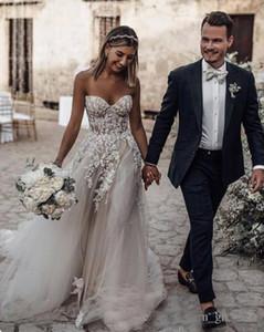 쉬어 Strapless 코르 셋 드레스 Pleated Tulle 웨딩 드레스 Beaded Crystal Bridal Gowns 장식 된 극적인 아플리케 robe de mariee