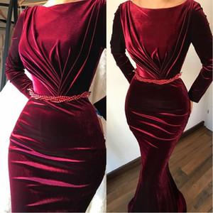 2020 élégant velours robes de soirée sirène manches longues Bateau Bourgogne Robes de bal avec des perles Sash robe piste