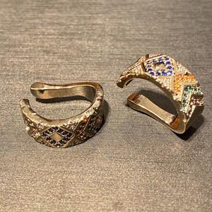 accesorios de Corea hombres mujeres clips para las orejas de colores oreja perforada pendientes retro a rayas geométricas hay necesidad de marcar par pendientes