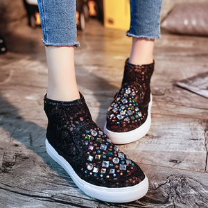 Women Summer Boots Fashion Embroidery Lace Flat Shoes Crystal Boots 2020 Mesh Hollow Out Breathable Ladies Sandals