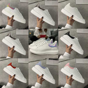 2020 Fashion Platform PARTY 3M Reflective Laser Lover Luxury Leather Velvet Deportes al aire libre Hombres planos Mujer Tamaño blanco 35-45 Zapatos casuales