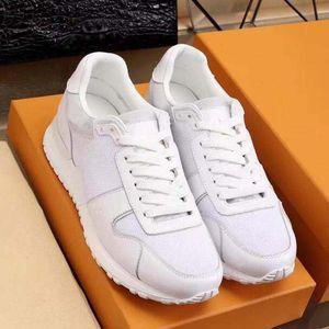 Designer Luxury Mens Casual Shoes 039 Genuine leather Old print Triple White Black Trainer Men Fashion Leisure Run Sneaker High quality w4w