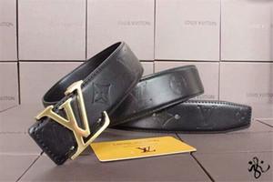 En 2019, haute qualité ceinture en cuir luxe designer ceinture dames et hommes nouvelle mode loisirs moires ceinture gros fret gratuit