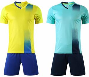2019 fan shop boutique en ligne à vendre des maillots personnalisés Football Maillots Soccer Jersey Sets avec un short de football Porter Mesh vêtements de performance hommes