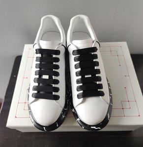 2020 nouveaux sports de loisirs mode luxe cuir épais chaussures à lacets petit blanc d'impression en bas pour hommes et femmes chaussures plates