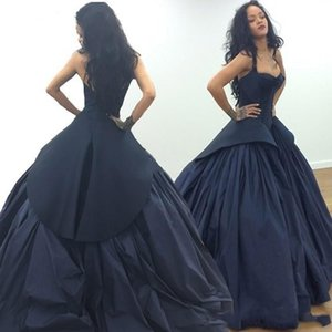 Vintage Black Taffeta Sexy Backless 2021 Ball Gown Evening Dresses Halter Sweetheart Sleeveless Tiered Skirts Prom Dress