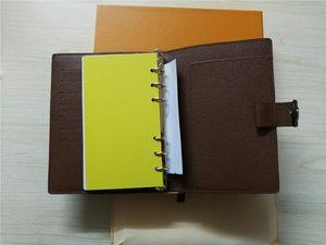 Famoso marchio Agenda Note Book Custodia in pelle Diary in pelle con sacchetto raccoglipolvere e scatola di carta Nota libri stile di vendita calda anello in argento L243