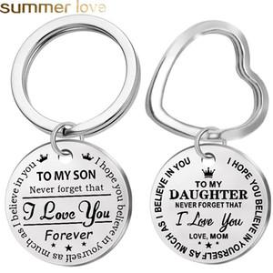 Arbeiten Sie Edelstahl-Schlüsselanhänger mit Gravur Zu meinem Sohn Tochter Forever Love Mom Keyring Schlüsselanhänger Charm Liebe Anhänger Schmuck Geschenk