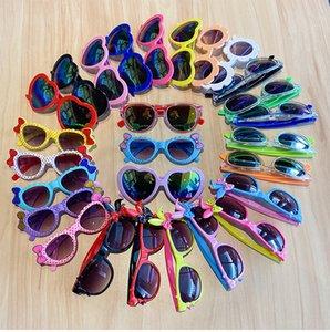 Un montón de colores en forma de corazón del amor de la historieta de los vidrios de las gafas de sol plásticas del partido gafas de sol UV400 de Sunglass Gafas de sol Niños Niños
