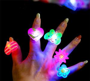 Luminosi Anelli bambini giocattoli divertenti della barretta del LED per bambini anello della barretta del fumetto squilla per Baby Girl Halloween Carnival Party Giocattoli Regali accessori per la casa