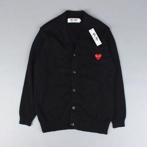 Venda quente Mens Lã Mulheres V-neck Sweater Cardigan CDG JOGAR Brasão Amor bordado KQN-1101 Student manga comprida blusas camisola 5 cores