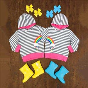 2-7T soeur frère jumeau assorti Hoodies Enfant Bébé Garçon Fille arc-en-rayé rayé à capuche Mode d'extérieur mignon