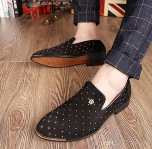Promotion New 2019 spring Men Velvet Loafers Party wedding Shoes Europe Style Embroidered Black blue Velvet Slippers Driving moccasins NX336