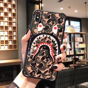 cassa del telefono di lusso One Piece per l'iPhone 6S 7 8 P X XS copertura di modo mimetico squalo bocca Designer telefono indietro Per i regali