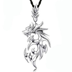 Hübsche Halsketten Anhänger Weißgold plattiert Edelstahl Drache Anhänger Männer Halskette mit Leder Kette Edelstahl Halsketten