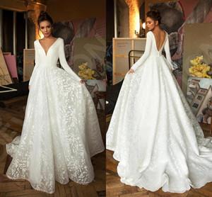 2019 elegante satén manga larga vestidos de novia vintage profundo cuello en V cuello abierto playa bohemian plus size vestido nupcial BC2474
