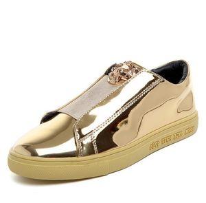 Дизайнерская версия роскошные Повседневная обувь мужчины скольжения на мокасины металлический знак блесток Мужская обувь лакированная кожа мужчины доска обувь F269