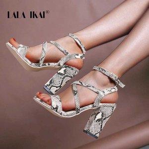 LALA Ikai Chaussures Femme Grande Taille 2020 New Snake-grain Open Toe Pu en cuir épais talon 11 CM dames haute Chaussures à talons XWC6821-4