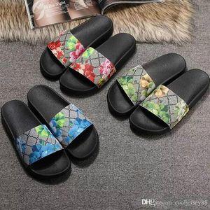 2020 mujeres de los hombres de diapositivas sandalias de los zapatos de diapositivas de lujo de diseño de moda de verano plano ancho resbaladizo con densamente las sandalias del deslizador de las chancletas tamaño 36-45