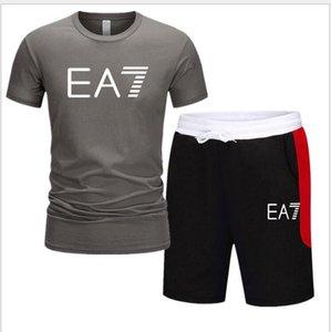 Hommes Vêtements de course Ensembles d'été à manches courtes Sport Survêtements Mode O-neck Tee Shorts Costume Gym Grande taille S-2XL