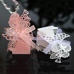 200pcs Engels-Mädchen-Laser-Schnitt Hohl Carriage Favor Geschenke Süßigkeit-Kästen mit Band kundenspezifische Babyparty Hochzeit Dekoration Favor