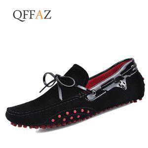 QFFAZ Men Casual Shoes Vera Pelle slittamento Mocassino Mocassini Masculino Handmade scarpe piane barca Calzatura uomo