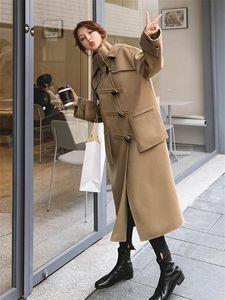 Yaka Düzensiz Horn Toka Yün Coat Kadın Orta uzunlukta Yüksek boyun Yün Coat Uzun Kapşonlu Trend WINDBREAKER f2702 Standı