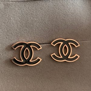 2020 neue einfache schwarz rot weiß Ohrringe Letters baumeln Tropfen Gold Silber Perlen-Ohrring Gold Silber Ohrstecker für Frauen Hochzeit Schmuck
