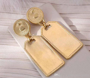 Hot sale stud earring with diamond and nature white brooch charm Earrings for women earring jewelry drop Shipping PS5765