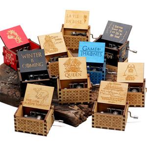 New Esculpido Rainha Music Box Harry Potter StarWa Game of Throne Castle In The Sky manivela Madeira Música Christmas Gift Box