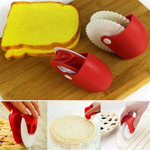 Rouleau de pizza en plastique de décoration de roue de pain de coupe de roue de pâtisserie outil de coupe de cuisson pour des gâteaux, des gaufres et des biscuits de pâte
