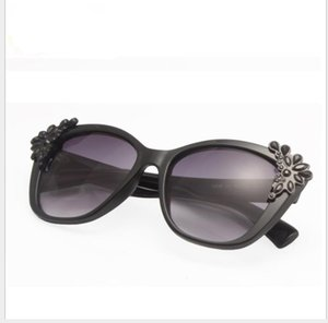 New European and American fashionable and elegant diamond-inlaid sunglasses for adult women