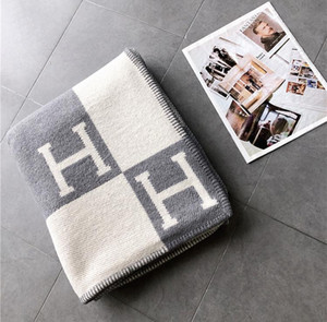 Cores da letra H Cashmere cobertor macio Wool Scarf Shawl Blanket portátil calor da manta Sofá-cama velo Knit Toalha Lance