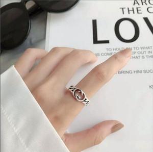 2020 Nouvelle simple VINTAGE ajourées Lettre Anneau réglable Lettre ouverte Bague hommes et femmes de la mode même tendance Bague bijoux en gros