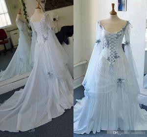 Casamento Celtic Vintage Vestidos Light Blue Medieval nupcial gótico vestidos de decote colher espartilho longas de Bell mangas apliques Flores