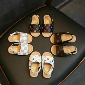 2020 Kızlar Tasarımcı Prenses Ayakkabı Sandalet 2020 Bebek Kaymaz Yumuşak Bebek Ayakkabı Çocuk Plaj Ekose Baskı Ayakkabı