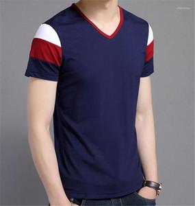 Mens Designer Fashion Slim T-shirts col V à manches courtes hommes T-shirts Hommes Vêtements décontractés Trois Couleurs lambrissés