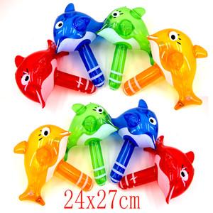 Wholesale- Hot Summer Mini bambini giocattolo da bagno Carino gonfiabile delfino Hammer Baby Shower acqua giocattolo Nuoto Gioco Kids Beach Toy con sonagli
