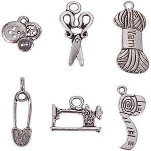 Couture tricot à thème tibétain en alliage de style Pendentif Bijoux Accessoires Tuyau Scissor Pin Fils Clew Bouton couture charme machine 85