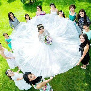 얇은 목 컨트리 가든 웨딩 드레스와 긴 소매 Appliqued 맞춤 제작 신부 가운 바닥 길이 Tulle WeddingDresses