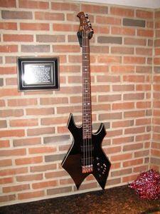 Ters headstock, Krom Donanım ile Motley Crue Zengin Warlock Bas Siyah 4 Strings Electirc Bas Gitar Of Koleksiyonu Nikki Sixx