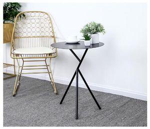 Mesa de café redonda Mesas de café en algunos restaurantes en la esquina de la casa. Nordic Simple Home Iron Art Tea Table