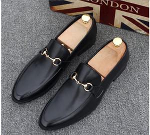 Sapatos de grife de luxo para homens Light Horsebit calcanhar de couro dobrado para baixo ou para cima Sola de couro mens mocassins loafers simbólico ouro-tom
