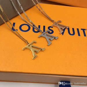 2020 New Fashion Designers shape pendant women sweater necklace lady Token of love Styles jewelry Ornaments gift luxury necklace with box