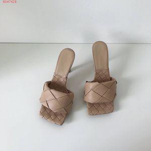 2020 Dernières pantoufles en cuir véritable chaussures femmes, mules carrées uniques à bout ouvert Tissé talon haut pantoufle nappa Lido Sandales, talon 9cm