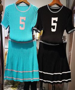 2019 verano nuevas mujeres de seda de hielo manga corta punto número 5 impresión suéter superior y cintura alta una línea corta falda twinset vestido vestido