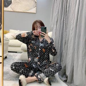 Sommer-Marken-Frauen Silk Nachtwäsche Art und Weise gedruckte Lad Luxus Pyjamas Set Geburtstags-Geschenk für Freundinnen Heim Kleidung