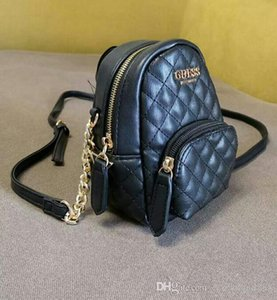 Высокое качество к 2020 году новых женщин Звезда Моды рюкзак двойной плечи Mini сумка перекошена один сумка Guess
