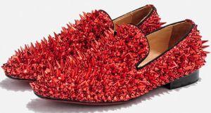 2019 Nuovi uomini di alta qualità paillettes scarpe spike stud scarpe da uomo partito brillano scarpe casual strass borchia mocassini
