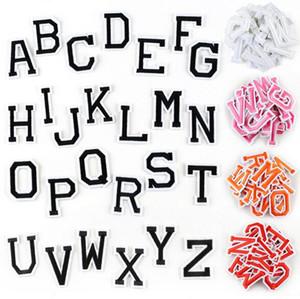 철에 패치 아플리케 자수 8P-86 핫 판매 검은 색과 흰색 영어 문자가 지정된 문자에 의해 패치 캔에 편지 바느질 빨간색
